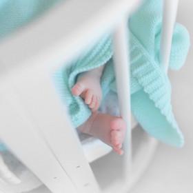 Dětská deka z merino vlny s kapucí mátová
