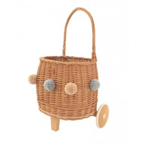Proutěný koš na hračky na kolečkách PULLY přírodní s bambulkami